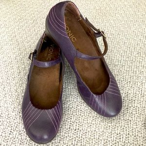 VIONIC Mary Janes Wedges w/ Buckle Comfort Sz 9.5